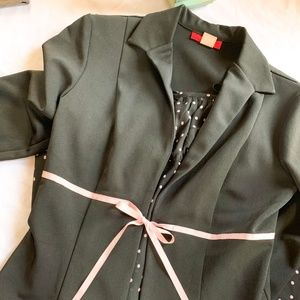 Alyn Paige Black and Pink Suit Set